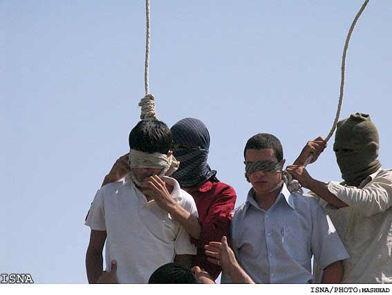 Two gay teenagers being hanged in Iran